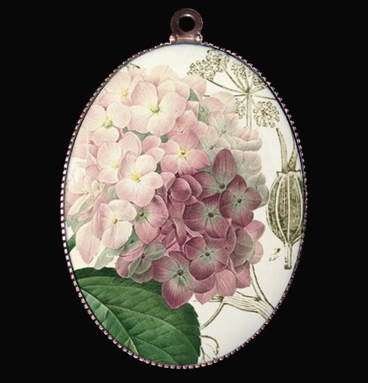 medaglione in porcellana con ortensia rosa, regalo per festa della mamma, per maestra, per amica, per esprimere gratitudine