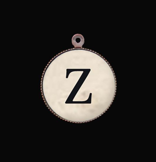 Lettera Z in porcellana. Ciondolo con iniziale per un regalo personalizzato.