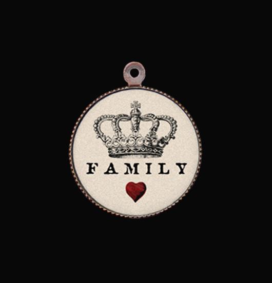 Ciondolo in porcellana con scritta family, per personalizzare un bracciale o una collana. Regalo per nuova famiglia,amica,sorella, natale.