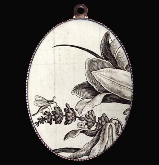 medaglione in porcellana con fiori in bianco e nero, per gli amanti della natura, dello stile giapponese, regalo per la festa della mamma, per amica, per natale