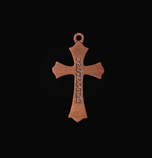 ciondolo in rame a forma di croce con inciso proteggimi smaltata bianco, regalo religione, sacro, battesimo, comunione, cresima