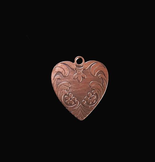 Ciondolo a forma di cuore in rame, adatto per creare il tuo gioiello. Regalo d'amore, per la mamma, per l'amica.