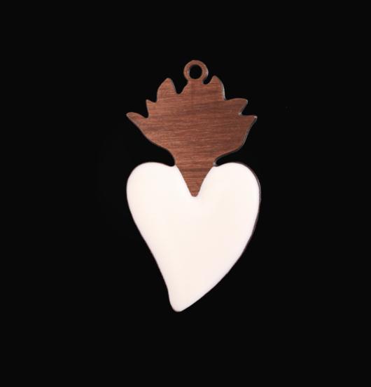 ciondolo cuore sacro con fiamma in rame smaltato bianco, ex voto, votivo, vintage, regalo miglior amica