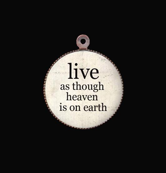 medaglietta in porcellana con scritta Live, regalo per augurare tranquillità, pace, serenità, regalo per compleanno, regalo alla migliore amica