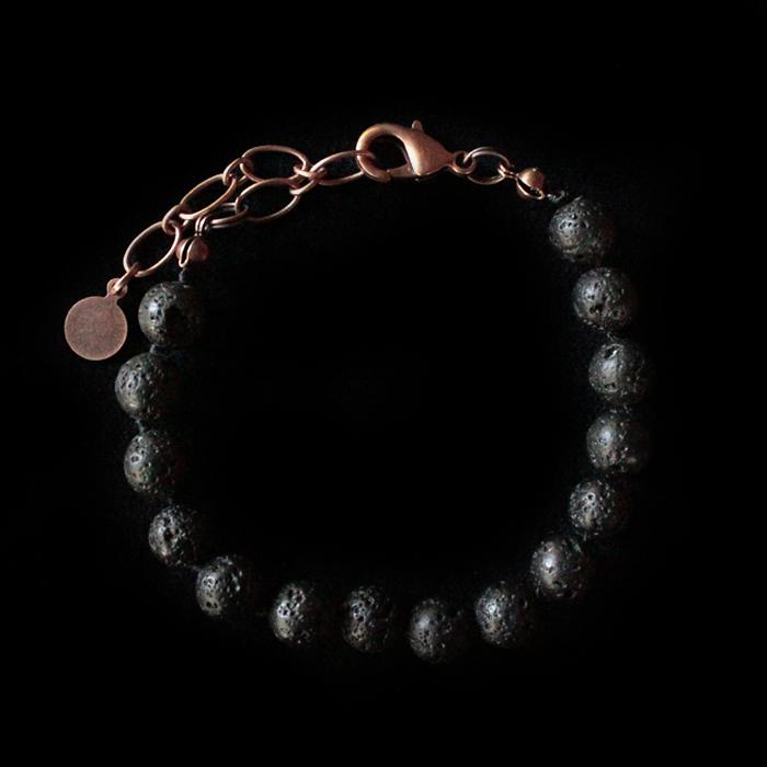 Bracciale in lava nera e finiture rame da personalizzare con i ciondoli.  Costruiti un regalo unico.