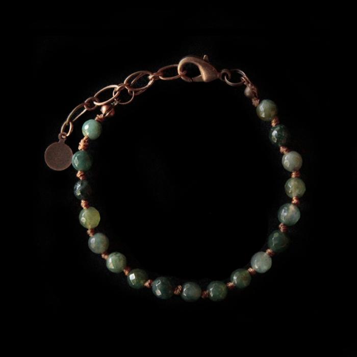 Bracciale in pietra dura, agata muschiata, verde. Base per realizzare un braccialetto unico aggiungendo i ciondoli in rame che vuoi. Regalo unico dedicato a persone speciali.