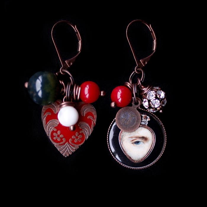 Orecchini collezione mistero con cuore smaltato rosso e porcellana con occhio dell' amante, perline e strass,  regalo San valentino, regalo innamorata, regalo miglior amica