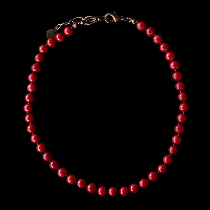 Collana in corallo bamboo rosso, annodata, adatta come base per costruire il tuo gioiello personalizzato aggiungendo i ciondoli che preferisci. Idea regalo unico per la mamma,per natale, per amore.