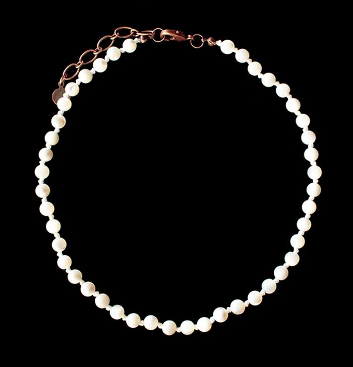 collana bracciale in madreperla color avorio, collana base girocollo personalizzabile con ciondoli esclusivi, regalo personalizzato