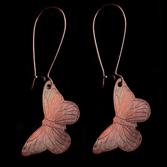 Orecchini con farfalle in rame smaltate in rosa