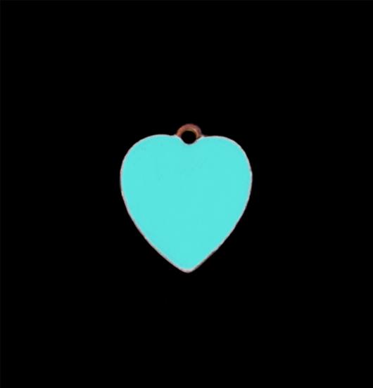 Piccolo ciondolo a forma di cuore smaltato di turchese, regalo per fidanzata, regalo per amica, personalizza il tuo gioiello, cuoricino turchese di rame smaltato.