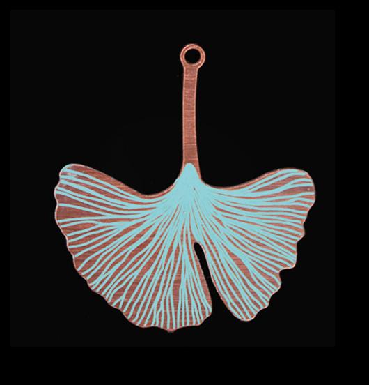 Ciondolo in rame smaltato turchese a forma di foglia di ginkgo biloba, regalo per amante cultura giapponese, giardiniere, amante natura, amante verde