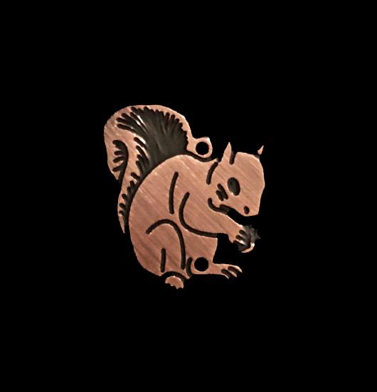 ciondolo rame raffigurante uno scoiattolo, per amanti della natura, degli animali, del bosco
