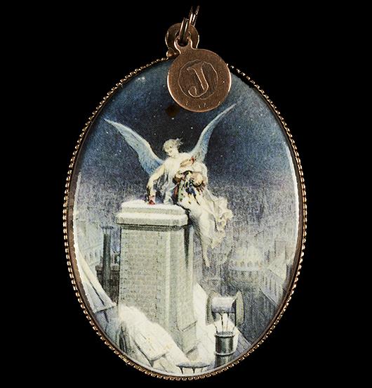 medaglione in porcellana con angelo che porta i doni la notte di natale